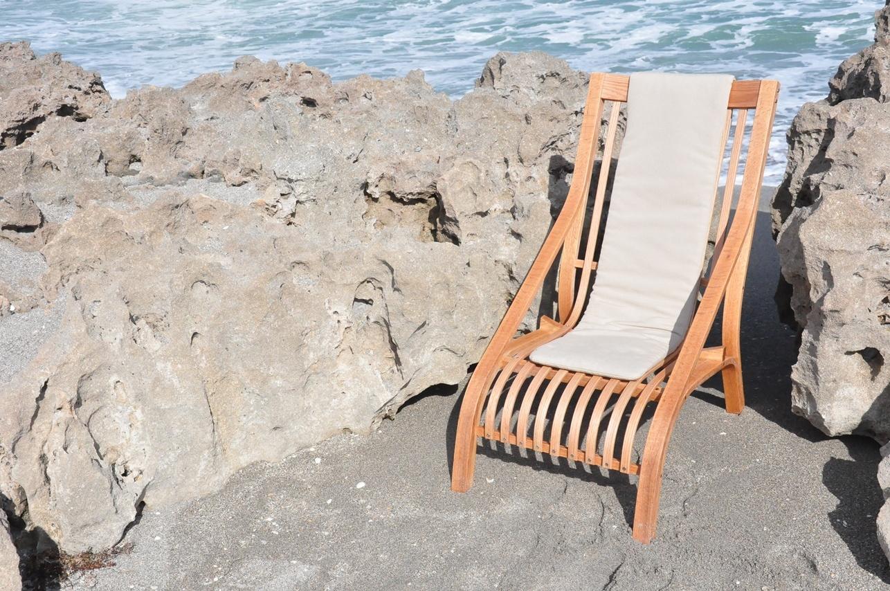 Sagamoe chair at beach with cushion